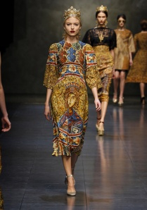 dolce-and-gabbana-fw-2014-women-fashion-show-runway-10