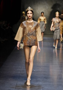 dolce-and-gabbana-fw-2014-women-fashion-show-runway-14